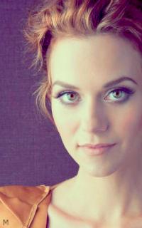 Hilarie Burton yeux